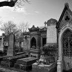 Père Lachaise Cemetery: beautifully creepy